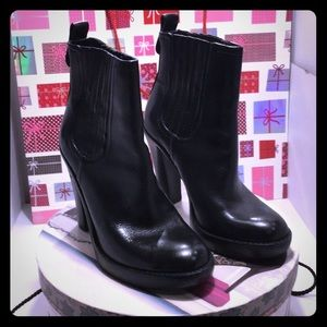 Like New Tory Burch Black Ankle Heel Boots Size 7M